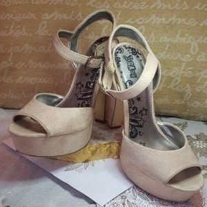 🍂BRASH Heels Size 7
